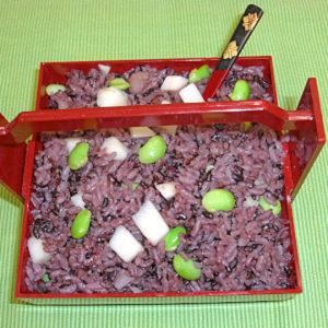 紫米のえだ豆とりんごごはん