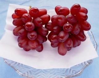 10月のおいしい部局長会議で「ブドウ長果11号」が紹介されました。
