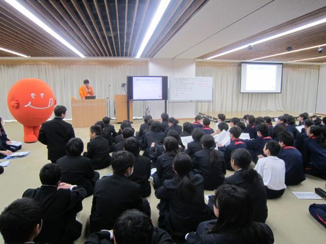 軽井沢中学校に訪問してきました