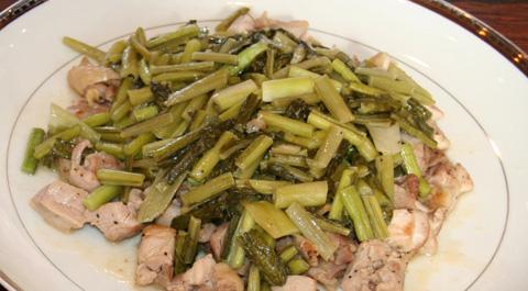 野沢菜と信濃地鶏のソテー