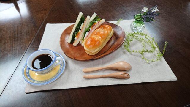 6月のおいしい部局長会議で「シーザーサラダサンド」「ブリオッシュサンド」の2品が紹介されました。