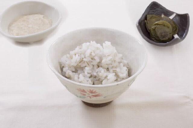 8月のおいしい部局長会議で、「麦ごはん」「鬼おろし山芋」「ひしの南蛮 ふくめ煮」が紹介されました!